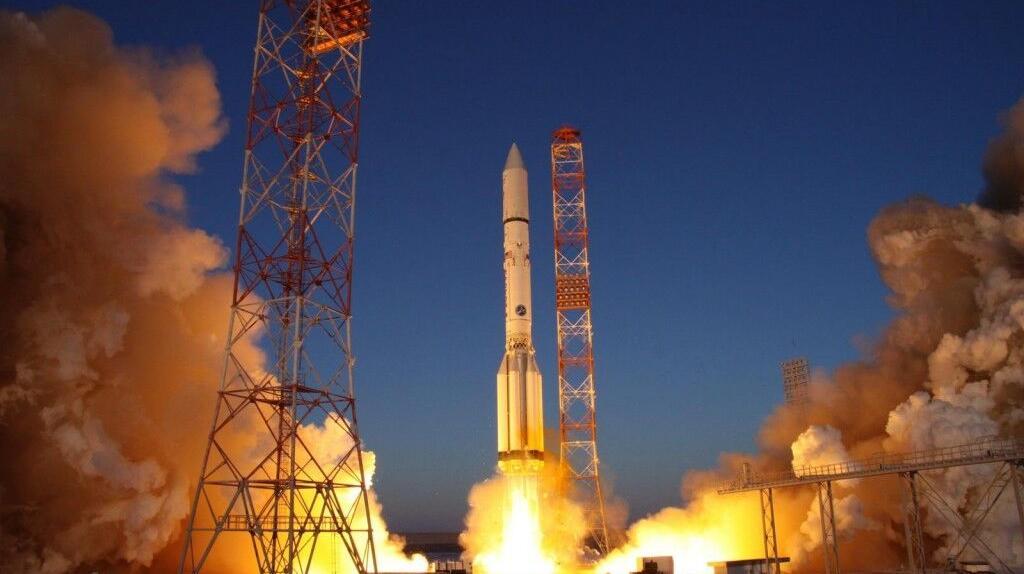 روسیه دو ماهواره به فضا فرستاد